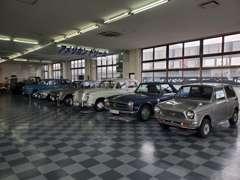 旧車も室内保管にて大事に展示販売しております。