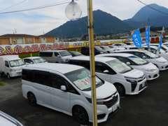 ☆新車・高年式の中古車を多数展示中☆ファミリーに人気の1BOXカーも多数展示してます☆