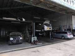 陸運局認証車検工場完備!経験豊富な整備士が対応致します。