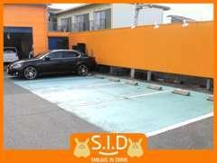 当店駐車場スペースです♪ゆったり4台分のスペースがあります!