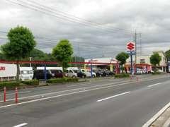 【国道181号米子駅方面】に向かって右側に弊社はございます。「スズキ」の看板が目印です。