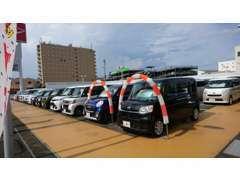 ダイハツディーラーならではの高品質なお車を常時60台展示!