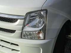 クリアライト仕上げ!年数が経つとヘッドライトは色あせ・黄ばんできます、当社はそれを取りクリア処理仕上げをしております!