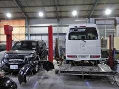 外車・特殊車両の修理もまずはご相談下さい!他のお店で断られた車両も当社なら誠心誠意の努力でがんばらせて頂きます!!