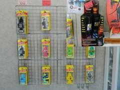 車の他にもこういった備品も店内にて販売しています、是非ご購入下さい♪