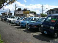 常時30台以上の在庫車を取り揃えております!