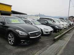 高年式車・輸入車・キャンピングカーまで幅広いラインナップ。