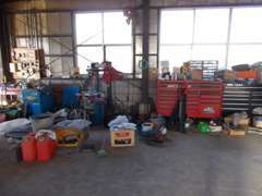 納車準備等、作業ガレージ