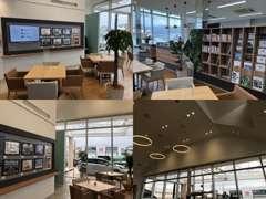 広々した開放感のある商談スペース♪ お客様にぴったりの一台を一緒にお探しします。