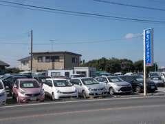 ミニバンから軽自動車常時約60台を展示中!