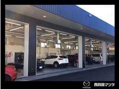 自社工場完備でご購入後のカーライフも安心です。車検・点検・修理・板金等、車のことならなんでもお任せください!!