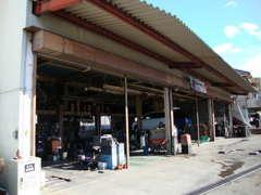 納車前に隅々まで整備してお客様にお渡ししております。トラブル等を未然に防ぎ、お車の寿命を延ばす事ができる大切な整備です。