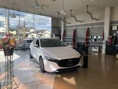 マツダの正規ディーラーでマツダの新車も展示しています。マツダ車に関することならマツダオートザム鯖江までご相談ください。