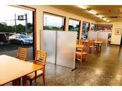 店内のスペースも広いので、お話もしやすいです。コロナ対策もしっかりと行っておりますので、ご安心してくださいね☆