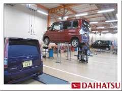 指定工場にてプロ整備士が常駐し、精一杯お客様の愛車の点検・整備をさせていただきます!ぜひ私たちにお任せ下さい★