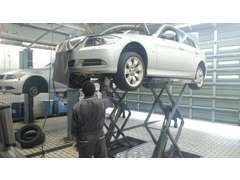 車検・点検等のアフター整備はBMW・MINI正規ディーラーにお任せください。納車前整備費は、車両価格に含めております。
