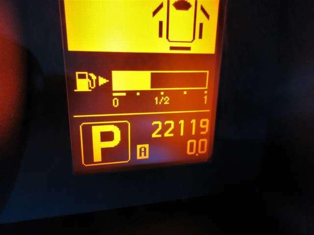 低走行22,119KM☆20KMほどの走行テストも済んでおりエンジン機関も良好です♪もちろん新車時保証書・点検記録簿付きで安心の厳選車両☆☆☆お買得な一台です♪