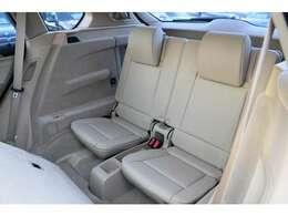 サードシートは7人乗りもよし、アレンジして大きな荷物を載せるのもよし!使い勝手の自由度が広がります!