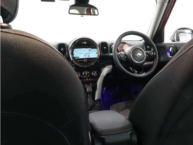クロスオーバーは車高もあり、後席からの前方視界が良いので、じつは酔いにくいのです