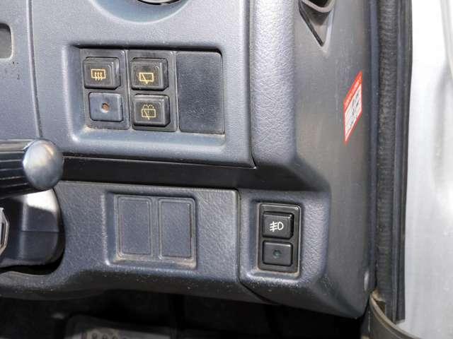 スイッチ類の使用感あります。現車にてご確認ください。