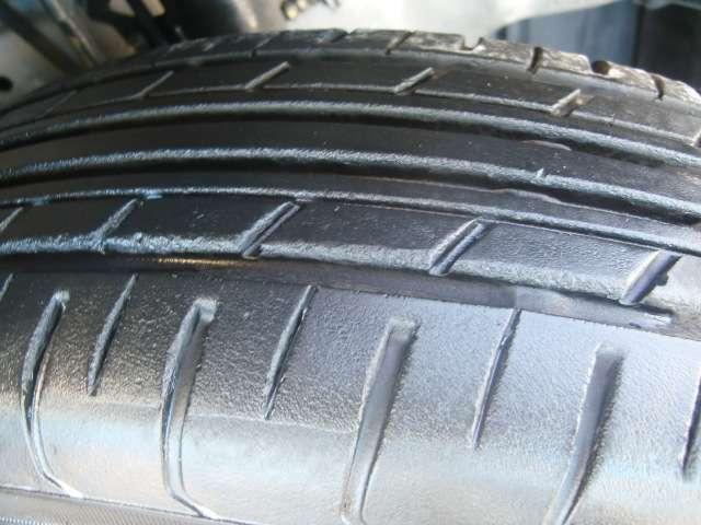 タイヤの溝も残っています☆