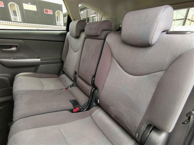 後席シートも快適な空間でお寛ぎいただけます!