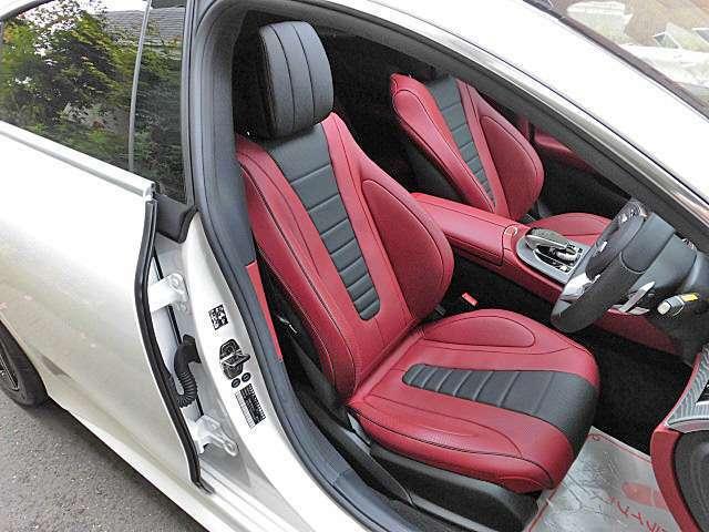 ベンガルレッド&ブラックレザーシート!ドライビングダイナミックシート・リラグゼーションシート機能もエクスクルーシブのパッケージオプションです!