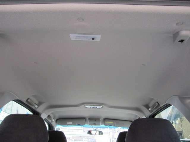 禁煙車で天井も綺麗