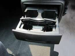安心整備パックは、バッテリー新品、前後ブレーキパット、各ベルト、キーレス電池、エアコンフィルター、ワイパーゴム交換でプラス5万円で実施しております!