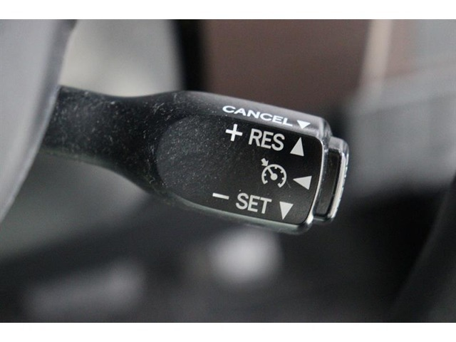 クルーズコントロールでアクセルペダルを踏まずの安定走行で高速道路などの運転がより快適になります♪