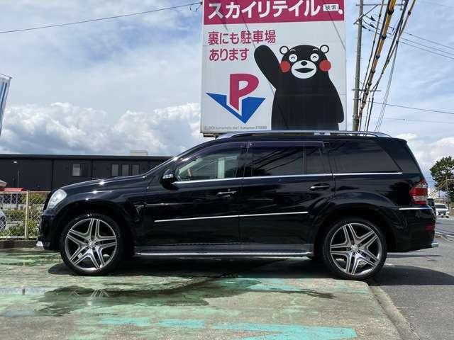 日本自動車査定協会認定査定士による確かな査定を実施しております。また認証工場も完備しておりますので、ご安心下さいませ。