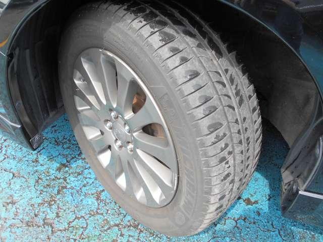 タイヤはミシュラン製エナジーセイバー付き!!タイヤ山は5~6分山あり!!新品&スタッドレスタイヤも格安海外品から国産品まで各種取り扱えますので交換ご希望の方はお気軽にご相談下さい!!!