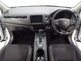 運転席も助手席も状態良好です!フロントガラスも大きく、取り回しも楽々ですよ♪