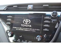 スマホ連携が可能な8インチのディスプレイオーディオが標準装備!対応のアプリを画面に表示・操作可能でLINEカーナビでは音声認識で目的地設定や、音楽再生も可能。バックカメラ・ラジオ・Bluetoothも標準装備です。
