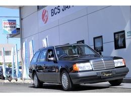 メルセデス・ベンツ ミディアムクラスワゴン/Tシリーズ 300TE フルオリジナル 黒ソリッド 黒ファブリック