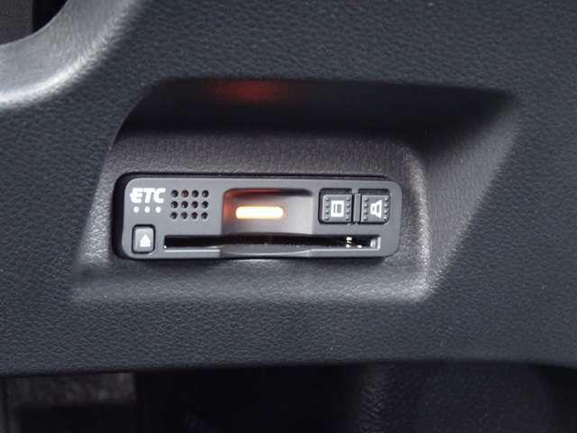 ■高速道路料金所をラクラク通過のETC車載器も付いていますよ!■