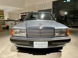 1977年より京都の地で輸入車純正部品卸問屋を営んできた長年の知識と経験を車両と通じてお客様にフィードバックさせて頂きます。