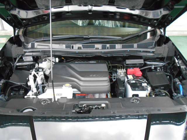 新車登録年月日より消耗部品は3年間/60000k、エンジン機構等は5年間/100000kの新車保証を継承致します勿論、全国の日産ディーラーにて対応可能です。ご安心下さい。
