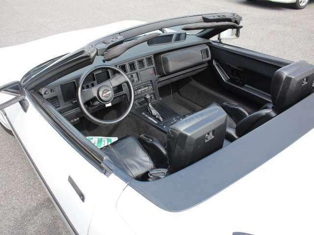 オープンカーにして快適なドライブも可能です☆