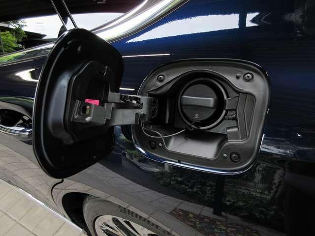 燃料給油口(無鉛プレミアムハイオクガソリン仕様)
