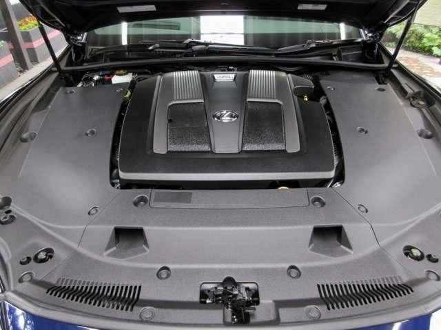 ドライバーの意図通りの駆動力を生み出し、日常の走りでレスポンスにすぐれた加速を体感。先進の10速AT(Direct Shift-10AT)と組み合わせ、低燃費で静かなクルージングは、クルマを走らせる歓びをより一層高めます。
