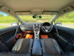 大きなシートと、ゆとりのある広い運転席!