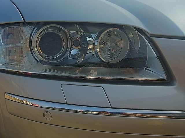 キセノンヘッドライトが標準装備です!これで夜間走行時の視界も良好です!