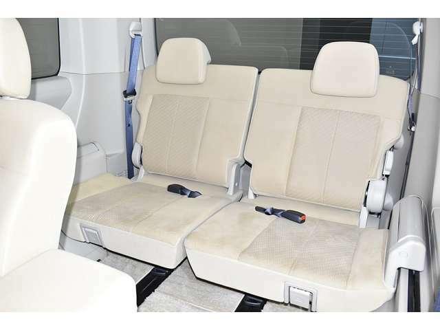 サードシートにもゆとりの空間を提供!みんなで楽しいドライブを