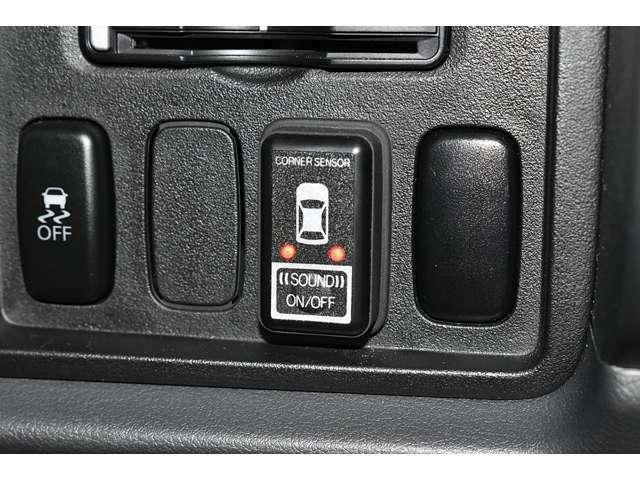 リヤバンパの左右にコーナーセンサーを装備★「ピ,ピ、ピ」の音で障害物を警告♪車庫入れや幅寄せをサポートします♪