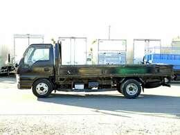車両総重量5975kg 最大積載量3000kg