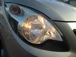 【ヘッドライト】特徴的なデザインのヘッドライトで夜間を照らします★