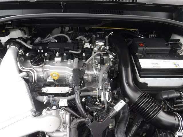 1.2Lのガソリンタ-ボエンジンを搭載しています。ていねいなクリーニングで、エンジンルームもピカピカです。