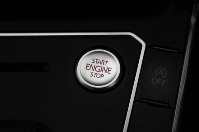 ワンタッチでエンジンの始動停止が行っていただけます。