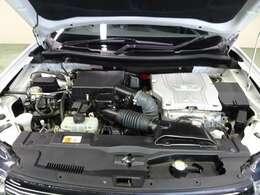 これがプラグインハイブリッド車のエンジンルームです